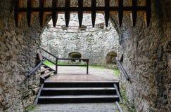 Lubovna城堡入口(斯洛伐克)。 免版税图库摄影