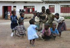 Lubumbashi, Demokratische Republik Kongo: Gruppe Kinderdes spielens lizenzfreie stockbilder