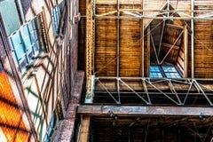 Lucarne et lucarne architecturales d'entrepôt images stock