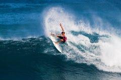 Lucas Stedman que practica surf en los amos de la tubería Fotografía de archivo