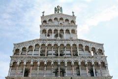 Lucca - église de rue Michael Photo stock