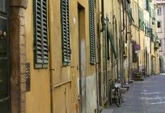 Lucca gataplats arkivfoton