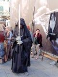 LUCCA ITALIEN - November 11: maskerar tecknad filmtecken på Lucca Arkivbilder