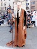 LUCCA ITALIEN - November 11: maskerar tecknad filmtecken på Lucca Royaltyfri Fotografi