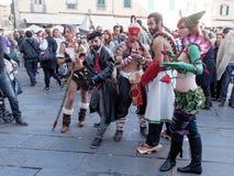 LUCCA ITALIEN - November 11: maskerar tecknad filmtecken på Lucca Arkivfoton