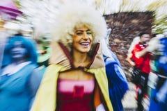 Lucca Italien, 03/11/2018: Under händelsen kallade Lucca Comix många personer klädd som cosplayers av japanska och amerikanska te royaltyfri foto