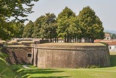 Lucca medeltida stadsväggar, Italien Royaltyfria Foton
