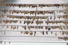 Lucchetti del ponte fotografie stock libere da diritti