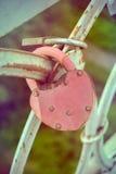 Lucchetti di amore ad un ponte Fotografia Stock Libera da Diritti