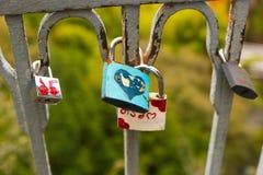 Lucchetti di amore a Parigi fotografia stock