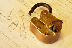 Lucchetto d'ottone antico Fotografia Stock Libera da Diritti