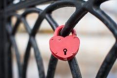Lucchetto di amore a forma di cuore Fotografia Stock Libera da Diritti