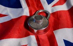Lucchetto sulla bandiera del Regno Unito - concetto di divieto di visto Fotografia Stock
