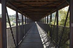 Luce all'estremità del ponte Fotografia Stock Libera da Diritti