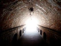 Luce all'estremità del tunnel Fotografia Stock