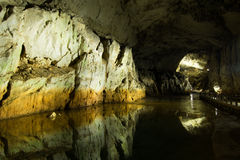 Luce in caverna Immagini Stock Libere da Diritti