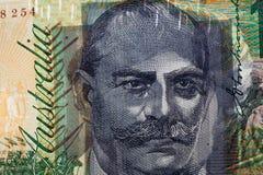 Luce che splende attraverso 100 stampe di rappresentazione della banconota in dollari del ritratto Fotografia Stock Libera da Diritti