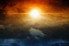 Luce in cielo scuro Fotografia Stock Libera da Diritti