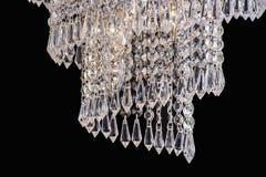 Luce del candeliere nell'interno, primo piano del candeliere di Chrystal parte di cristallo dal candeliere, candeliere, illuminaz Fotografie Stock Libere da Diritti