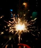 Luce del cracker di Diwali nella notte immagini stock libere da diritti