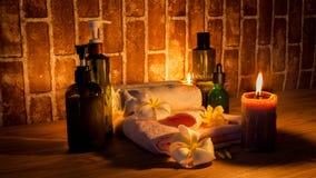 Luce della candela del massaggio di salute della stazione termale immagini stock