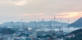 Luce della centrale elettrica di industria petrochimica Immagine Stock