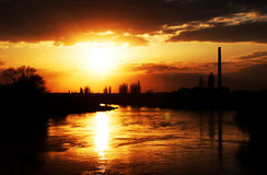 Luce di tramonto sopra il fiume di Mures Fotografia Stock