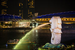 Luce dorata di mattina al parco di Singapore Marina Bay Merlion Fotografia Stock Libera da Diritti
