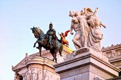 Luce dorata su Victor Emmanuel Monument, della Patria, Roma, Italia di Altare Fotografia Stock