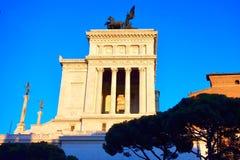 Luce dorata su Victor Emmanuel Monument, della Patria, Roma, Italia di Altare Immagini Stock Libere da Diritti