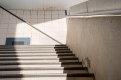 Luce ed ombra della scala Immagini Stock