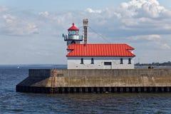 Luce esterna del frangiflutti del sud di Duluth immagini stock libere da diritti