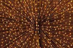 Luce gialla confusa che si sparge dal fondo e dalla struttura di tecnica dello zoom nella notte Immagine Stock Libera da Diritti