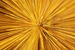 Luce gialla confusa che si sparge dal fondo e dalla struttura di tecnica dello zoom nella notte Immagini Stock