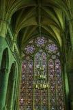 Luce magica dentro la cattedrale di Dinant immagine stock