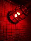 Luce rossa contro una parete 2 immagini stock
