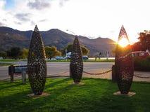 Luce solare attraverso il monumento immagini stock