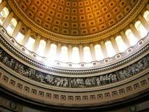 Luce solare che effluisce all'interno degli Stati Uniti Campidoglio rotunda Immagini Stock Libere da Diritti