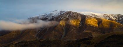 Luce sul fianco di una montagna Fotografia Stock Libera da Diritti