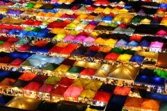 luce variopinta del mercato di Fai Night della putrefazione del bankkok immagini stock libere da diritti