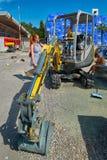 LUCERNA, SVIZZERA - 10 agosto 2016: Ragazzo del bambino che gode del constru Immagine Stock