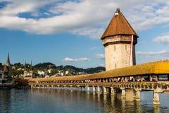 LUCERNA, SVIZZERA - 2 AGOSTO: Viste del ponte famoso Kape Immagini Stock