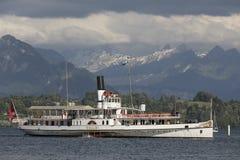 Lucerna, Szwajcaria Czerwiec 7 2017: Steamship na jeziornej lucernie, Szwajcaria; ARTYKUŁ WSTĘPNY Zdjęcie Stock
