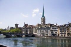 Lucerne kyrka och bro Royaltyfri Bild
