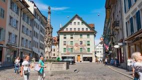 LUCERNE SCHWEIZ - JULI 04, 2017: Sikt av det historiska Lucerne centret, Schweiz Lucerne är huvudstaden av Royaltyfria Foton