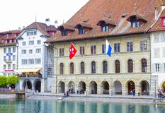 Lucerne Schweiz - Maj 02, 2017: Det gamla huset i Lucerne, Schweiz Royaltyfri Bild