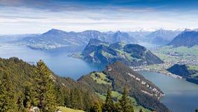 lucerny jeziorny widok górski obraz royalty free