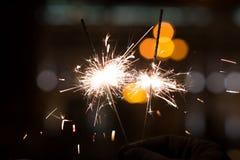 Luces de Bengala, fondo de la chispa Tiempo de la Navidad, Año Nuevo Foto de archivo