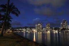 Luces de la ciudad de Honolulu Fotos de archivo libres de regalías