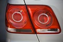 Luces de la cola del coche imagenes de archivo